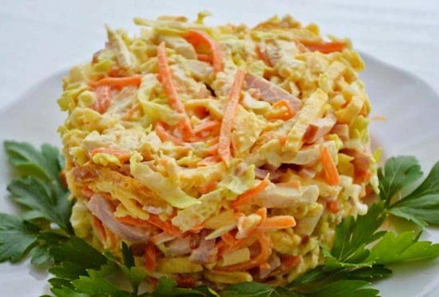 Блюдо с омлетом