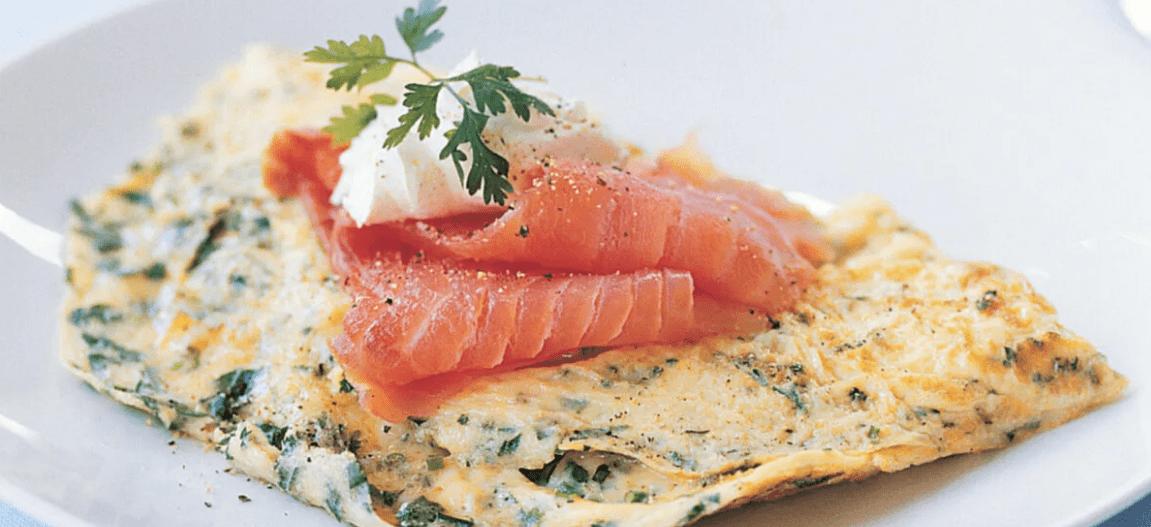 Рыбный омлет с овощами