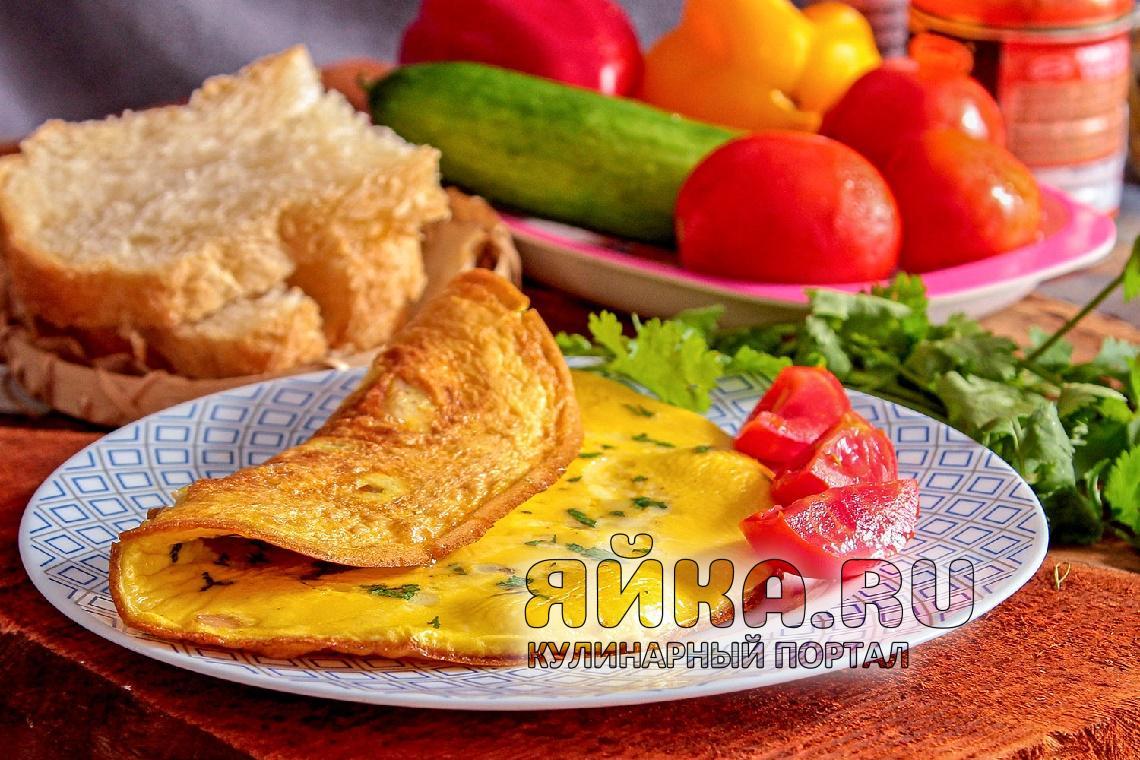 Омлет с курицей — новая идея для вкусного завтрака
