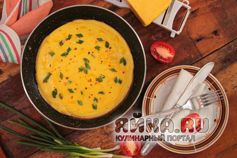 Омлет с твердым сыром
